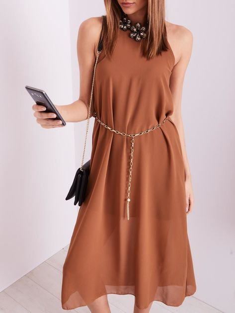 Brązowa sukienka z ozdobnym dekoltem                              zdj.                              2