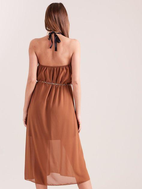 SCANDEZZA Brązowa sukienka z ozdobnym dekoltem                              zdj.                              3
