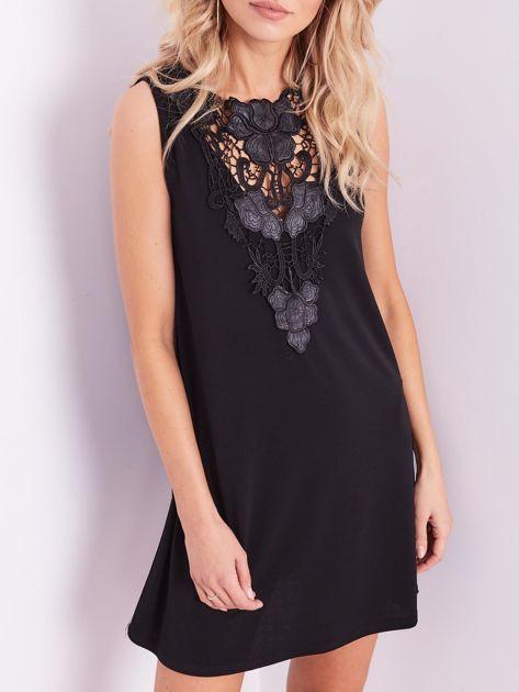 Czarna sukienka z koronką                              zdj.                              2