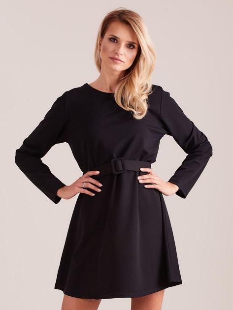 Czarna sukienka z paskiem                              zdj.                              3
