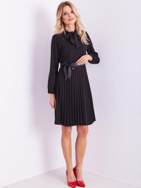 SCANDEZZA Czarna sukienka z wiązaniami                              zdj.                              12