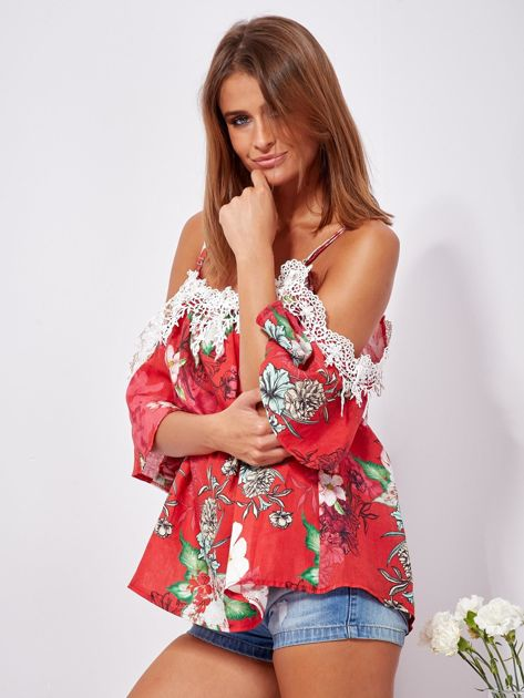 Czerwona lniana bluzka cold shoulder w kwiaty                              zdj.                              3