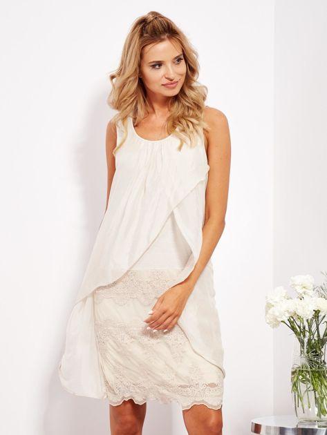 SCANDEZZA Jasnobeżowa sukienka z jedwabną warstwą                              zdj.                              1
