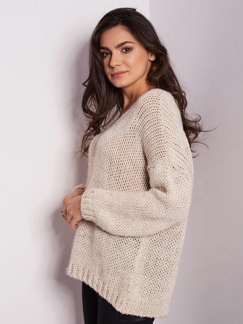 Jasnobeżowy luźny sweter                               zdj.                              5