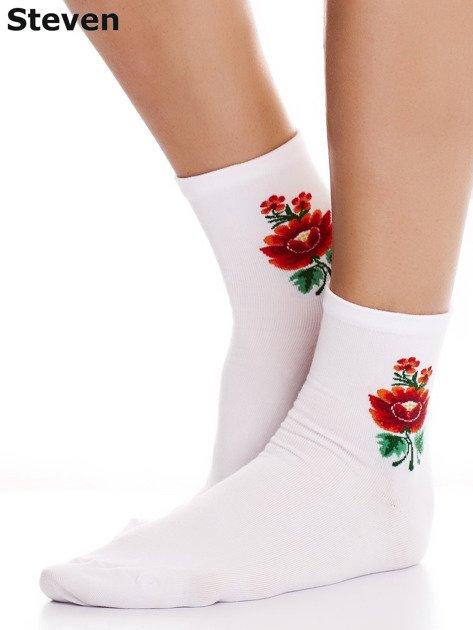 STEVEN Białe skarpety bawełniane kwiatem folkowym                              zdj.                              2