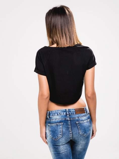 STRADIVARIUS Czarny t-shirt typu cropped z siateczki                                  zdj.                                  2