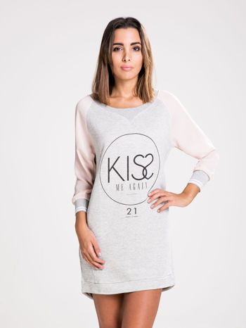 STRADIVARIUS Szara bluzosukienka z nadrukiem KISS