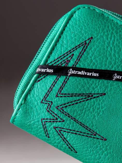STRADIVARIUS Zielony portfel z nadrukiem gwiazd                                  zdj.                                  4