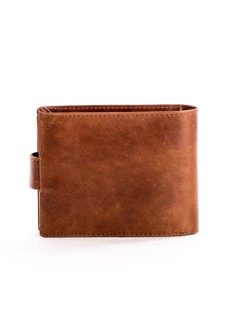 Skórzany brązowy portfel męski z klapką                              zdj.                              2