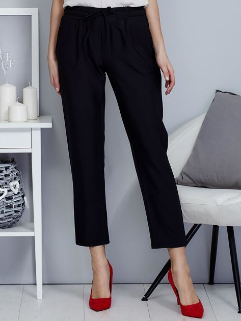 Spodnie czarne lejące z paskiem                              zdj.                              1