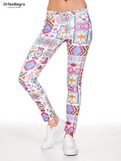 Spodnie jeasnowe rurki z nadrukiem aztec print                                  zdj.                                  1