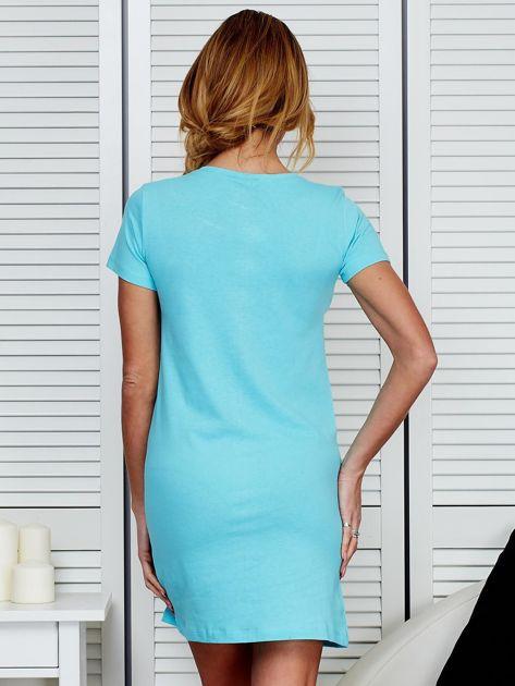 Sukienka bawełniana z kwiatowym nadrukiem jasnoniebieska                              zdj.                              7