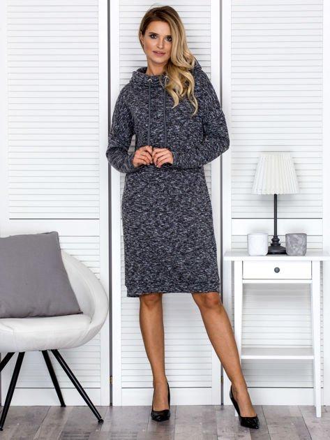 Sukienka damska melanżowa z szerokim kołnierzem czarna                              zdj.                              4