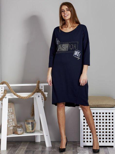 Sukienka damska z napisem z dżetów granatowa                              zdj.                              4