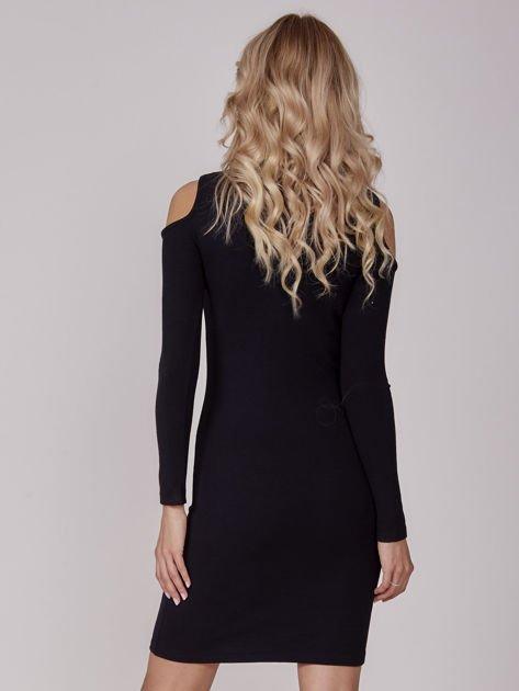 Sukienka damska z wycięciami i dekoltem lace up czarna                              zdj.                              3