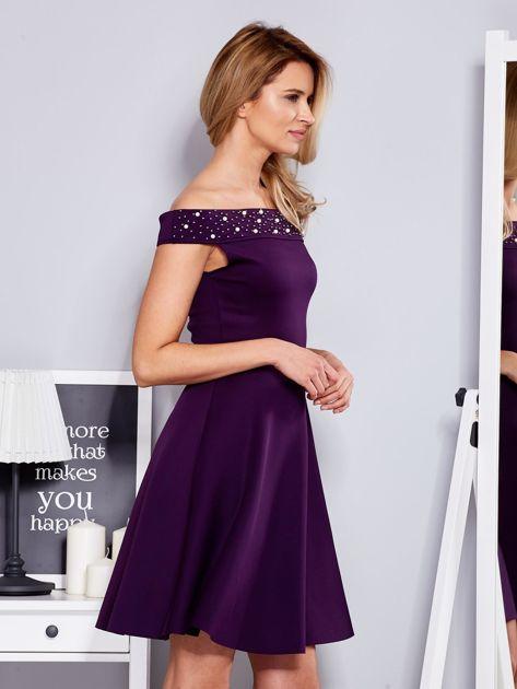 Sukienka fioletowa z perełkami                              zdj.                              3