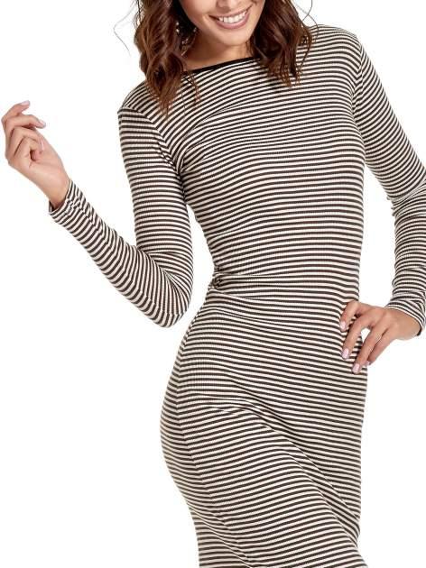 Sukienka maxi w biało-brązowe paski z dekoltem na plecach                                  zdj.                                  5