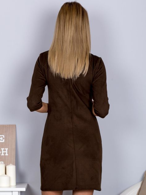 Sukienka o zamszowej fakturze ciemnobrązowa                              zdj.                              2