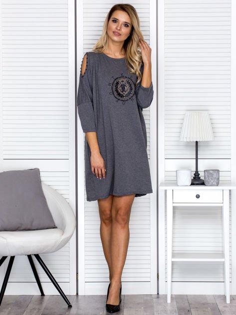 Sukienka oversize z wycięciami na rękawach i perełkami ciemnoszara                                  zdj.                                  4