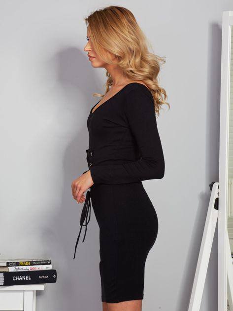 Sukienka ze sznurowaniem i głębokim dekoltem czarna                              zdj.                              3