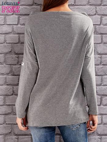 Szara bluzka z koralikową aplikacją                                  zdj.                                  4