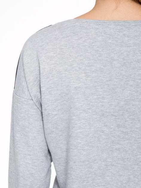 Szara dresowa bluza z nadrukiem kota z motywem galaxy                                  zdj.                                  8