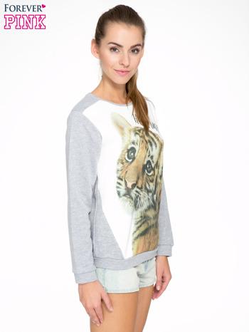 Szara dresowa bluza z nadrukiem tygryska i napisem HUG ME!                                  zdj.                                  3