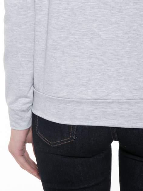 Szara dresowa bluza z nadrukiem wiewiórki                                  zdj.                                  8