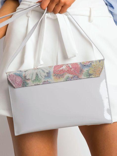 Szara lakierowana kopertówka z kolorową klapką                              zdj.                              2