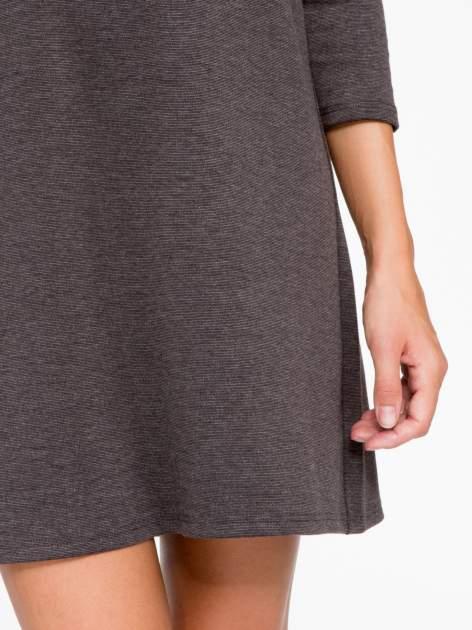Szara prosta sukienka z rękawami 3/4                                  zdj.                                  7