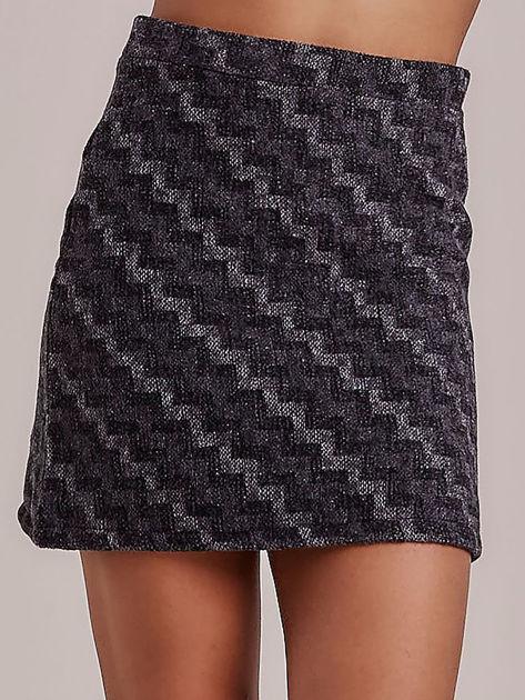 Szara spódnica mini w geometryczny wzór