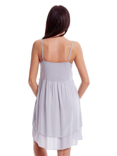 Szara sukienka na cienkich ramiączkach                              zdj.                              2