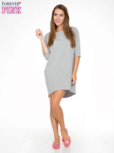 Szara sukienka oversize z surowym wykończeniem                                  zdj.                                  2