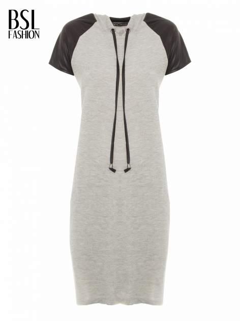 Szara sukienka z kapturem z wstawkami ze skóry                                  zdj.                                  2