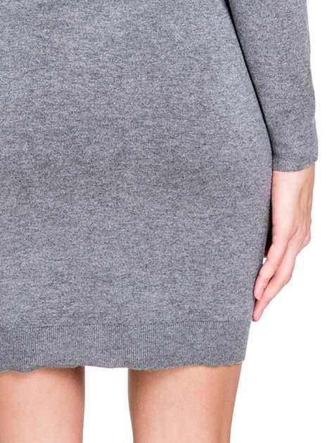 Szara swetrowa sukienka z golfem                                  zdj.                                  8