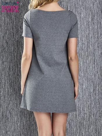 Szara trapezowa sukienka z kieszeniami                                  zdj.                                  4