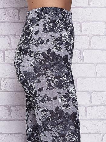 Szare melanżowe legginsy w róże                                  zdj.                                  5