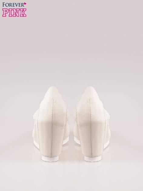 Szare siateczkowe buty na koturnie                                  zdj.                                  3