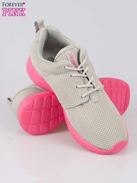 Szare siateczkowe buty sportowe na różowej podeszwie                                  zdj.                                  4