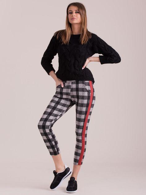 Szare spodnie w kratę z kolorowymi lampasami                              zdj.                              4