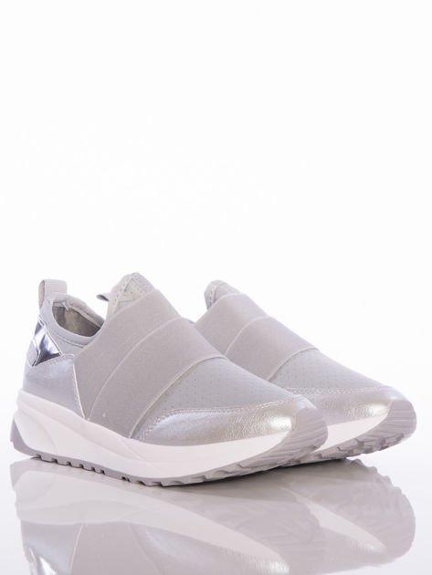 Szare wsuwane buty sportowe Rue Paris z ażurową cholewką i opalizującymi wstawkami                              zdj.                              2