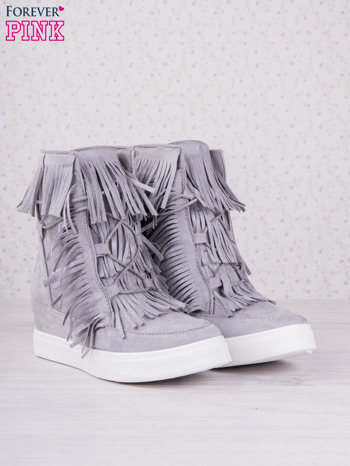 Szare zamszowe botki sneakersy Chalotte na ukrytym koturnie z frędzlami                                  zdj.                                  3