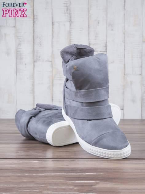 Szare zamszowe sneakersy bandage Quinn                                  zdj.                                  4