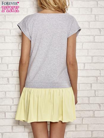Szaro-żółta dresowa sukienka tenisowa z kieszonką                                  zdj.                                  4