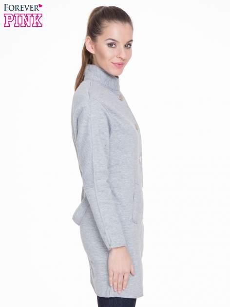 Szary dresowy płaszcz o kroju oversize                                  zdj.                                  3