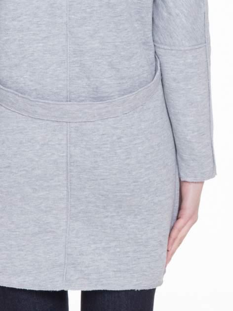 Szary dresowy płaszcz o kroju oversize                                  zdj.                                  9