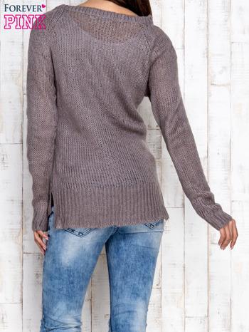 Szary dzianinowy sweter o szerokim splocie                                  zdj.                                  4