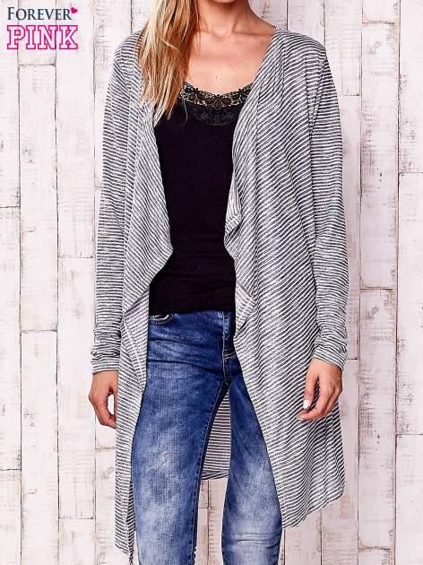 Szary otwarty sweter w drobne paski                                  zdj.                                  1