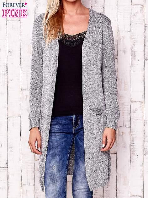 Szary otwarty sweter z kieszeniami                                  zdj.                                  1