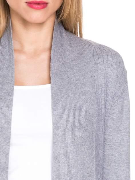 Szary sweter kardigan z podwijanym rękawami z guziczkami                                  zdj.                                  5